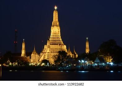 Sunset at Wat Arun, Bangkok, Thailand