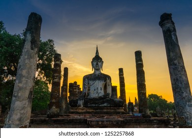 Sunset at Wat Mahatat in Sukhothai. A UNESCO world heritage site in Thailand