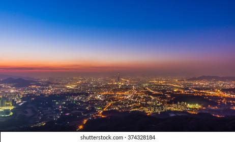 Sunsets and views of downtown Seoul, South Korea At Namhansanseong mountains.