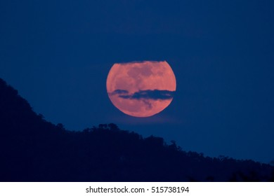 super full moon day on 14 November 2016 take photos from thailand