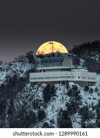 Super Moon over Fjellstua viewpoint in Aalesund