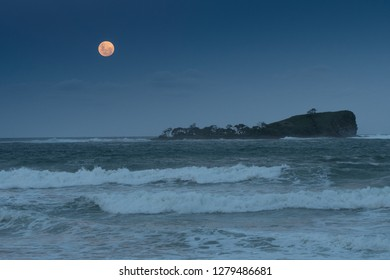 Super moon over Mudjimba Island