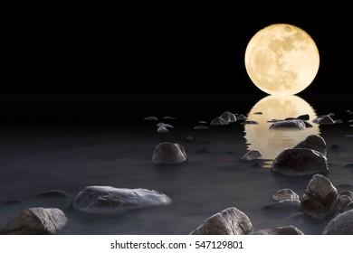 Super Moon in the sea