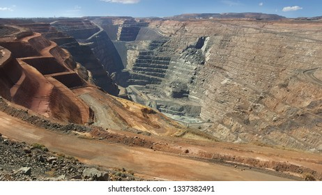 The Super Pit is located off the Goldfields Highway on the south-east edge of Kalgoorlie, Western Australia.