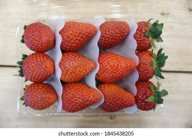 Super sweet strawberries in South Korea