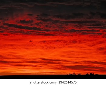 A Superb Summer Sunset, Deserts are Wonderful places for Sunsets.Red Sunset, all Natural as it Happened, Typical Australian Desert Sunset.