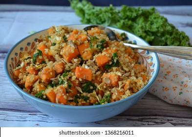 Superfood salad: Baked sweet potato, quinoa and kale