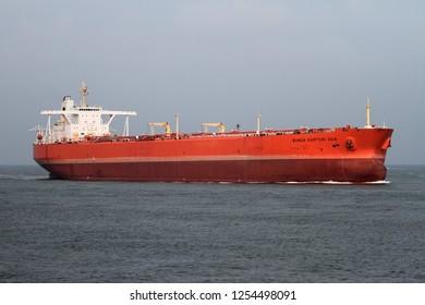 The supertanker Bunga Kasturi Dua reaches the port of Rotterdam on October 10, 2015.