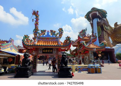 Suphan Buri, Thailand - July 24, 2016: Visit the atmosphere of ancient China and the Heavenly Dragon Shrine at Heaven Dragon Shrine Park in Suphanburi.