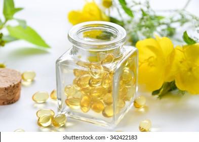Flaschenzuschlag mit abendlichen Blumen