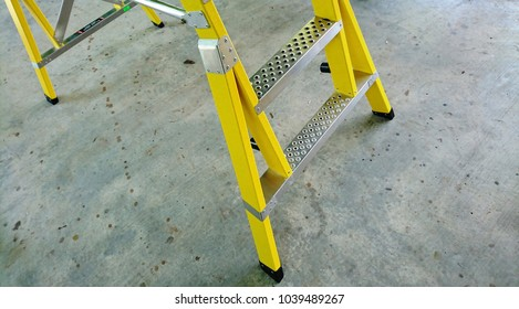 Support legs, fibreglass platform ladder add extra firmness and holes on stairs to improve foot friction.