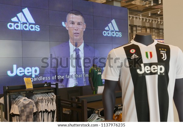 size 40 50fe6 e694d Supporters Juventus Fc Official Store New Stock Photo (Edit ...