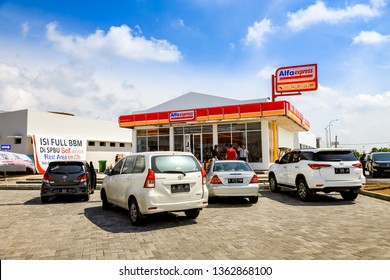 Surabaya, East Java / Indonesia - Jan 20th, 2019: Mini Market at Rest Area 726B Trans Java Surabaya - Mojokerto Toll Road