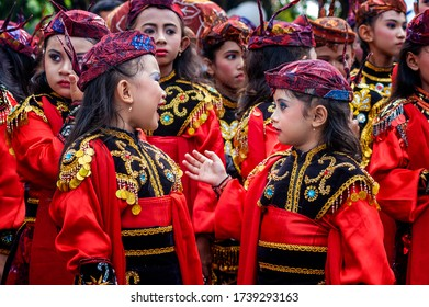 Surabaya / Indonesia - May 31, 2012: Little Remo Dancers are preparing to perform