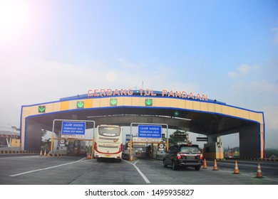 surabaya-indonesia. 3 September 2019. A number of four-wheeled cars entered the toll gate. toll road benefits to speed up the journey to the destination.