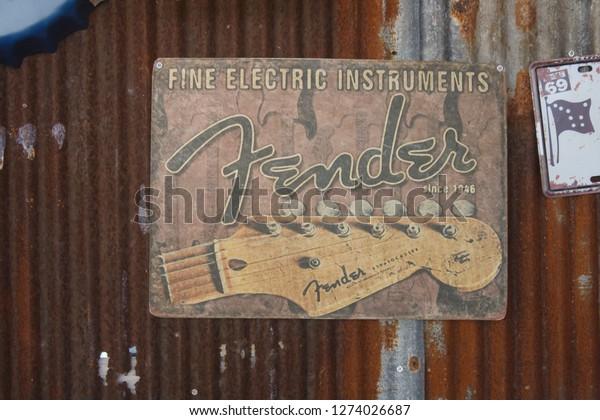 Surat Thanithailandjanuary12019close Vintage Fender Logo