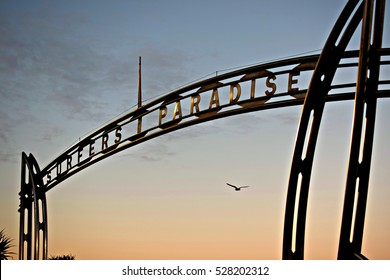 Surfers Paradise Sign Hd Stock Images Shutterstock