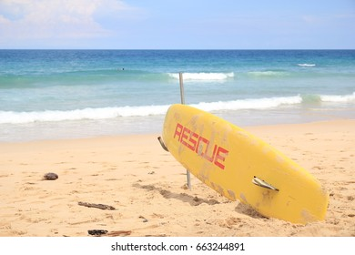 Surfers were set up at Surin Beach, Phuket. To be prepared to assist travelers in an accident while swimming.