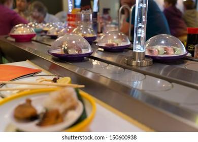 Sushi plates on rails