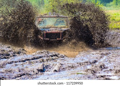 SUVs race on dirt