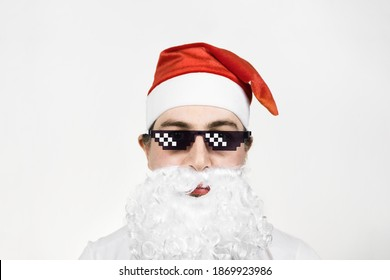 Swag Santa Claus in funny pixelated sunglasses on white background. Gangster, boss, thug life meme. 8bit style. Holly Jolly x Mas Noel. Cool grandfather. Party time, Happy New Year, Merry Christmas