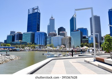 Swan River inlet with tourists at Elizabeth Quay in Perth/Elizabeth Quay Inlet/PERTH,WA,AUSTRALIA-FEBRUARY 13,2016: Elizabeth Quay inlet with boats, tourists and cityscape in Perth, Western Australia.