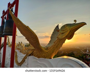 Swan statue in the evening