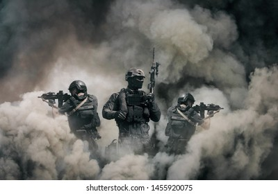 Swat forces between smoke and gas in battle field