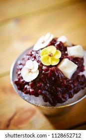 Sweet adzuki bean with rice cake kakigori