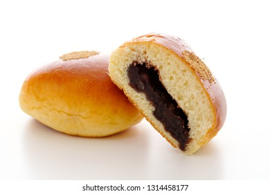 Sweet bean paste bun.