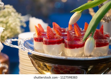 sweet canapes strawberries mousse