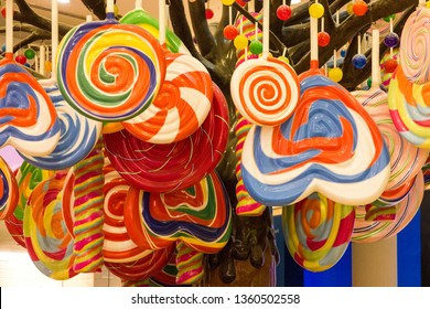 Sweet candies in shop. Candylicious - multicolored Candy Store at The Dubai Mall, United Arab Emirates (UAE).