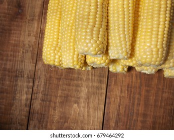 sweet corn on the cob on the table