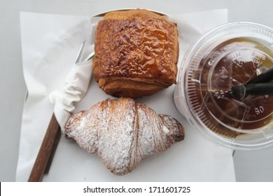 the sweet dessert, bakery table