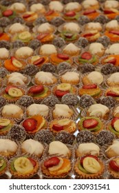 Sweet finger food with fruit and chocolate