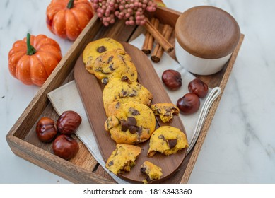 sweet pumpkin chocolate chip cookies