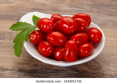 Sweet Red cherry tomatoes in the bowl