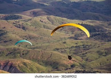 Sweet River / Ibituruna´s mount / Paragliding / Paraglider