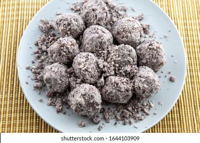 sweet sorghum rice cake balls with red bean