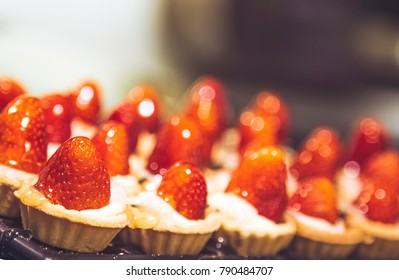 Sweet tartlets with strawberry
