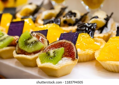 Sweets with fruits in the restaurant.