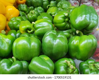 Sweets pepper green in grocery stores