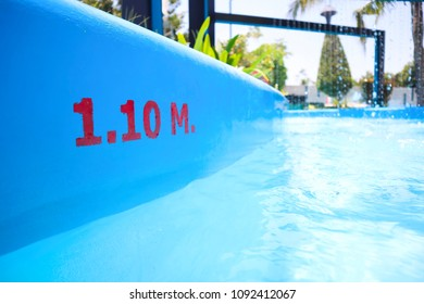Swimming Pool Depth Markers. Deep 1.10m.