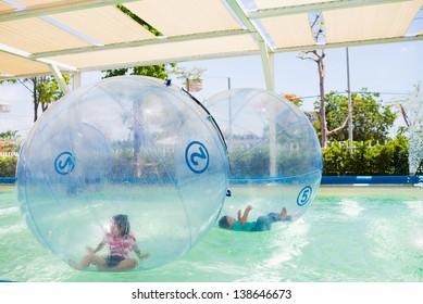 swimming pool floating ball for children