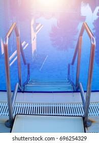 swimming pool in-pool ladder