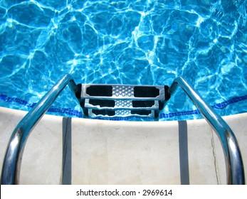 Swimming pool steps