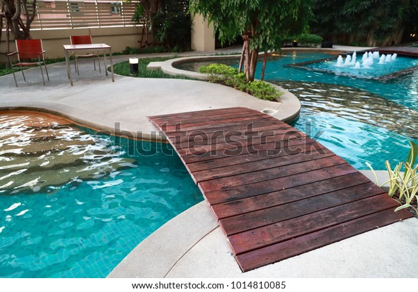 Swimming Pool Wooden Bridge Stockfoto (Jetzt bearbeiten ...