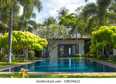 Swimming pool and yard of the luxury villa, Samui, Thailand