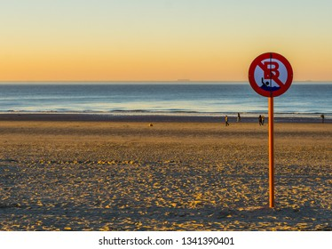 swimming prohibited, no swimming allowed, Belgian sign board, the coast of Blankenberge, Belgium