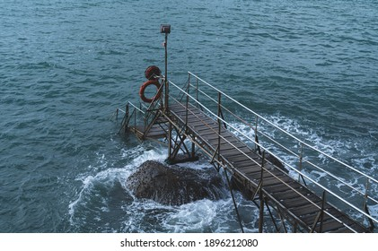 The Swimming shed with rapid waves